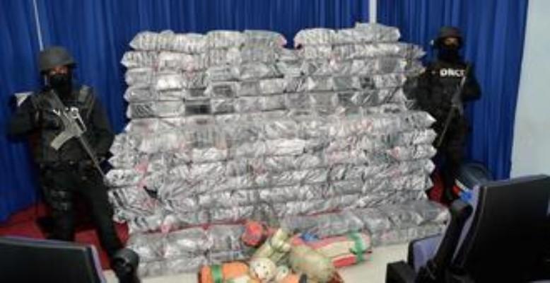 DROGA!!!! Decomisan 932 paquetes de drogas en San Pedro de Macorís