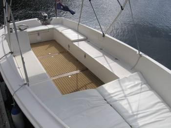 Sydney hire boat