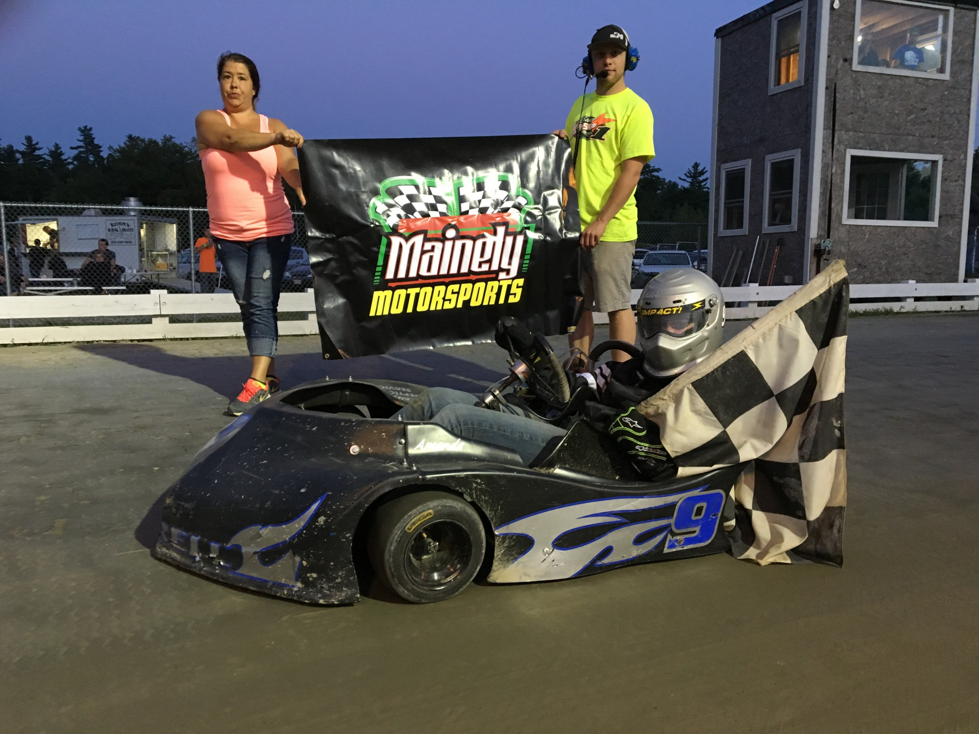 AMANDA MORRELL CONTINUES TO DOMINATE LADIES CLASS