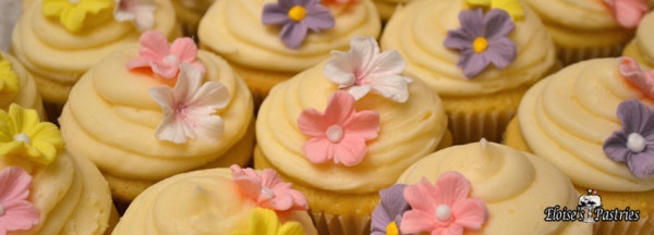 cupcakes for her, elegant cupcakes, spring cupcakes, cupcakes with flowers