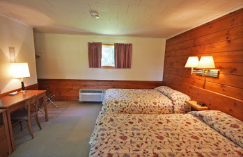 Wiscasset Motor Lodge Motel rooms have either king sized beds or two doubles