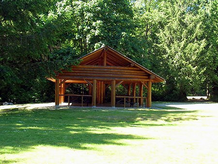 Shelter in Porpoise Bay Park