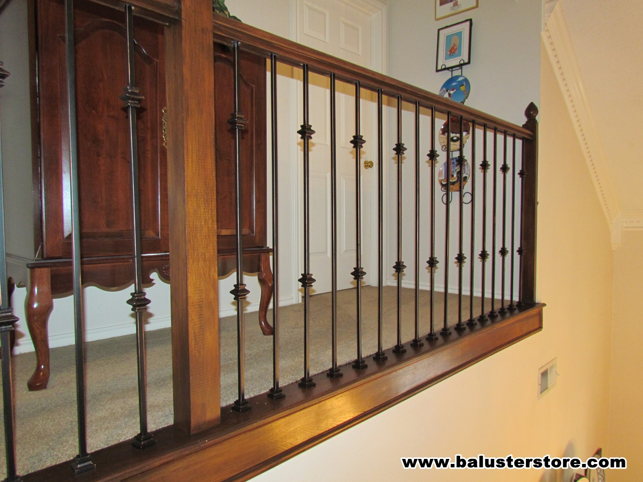 Double knuckle and plain balusters