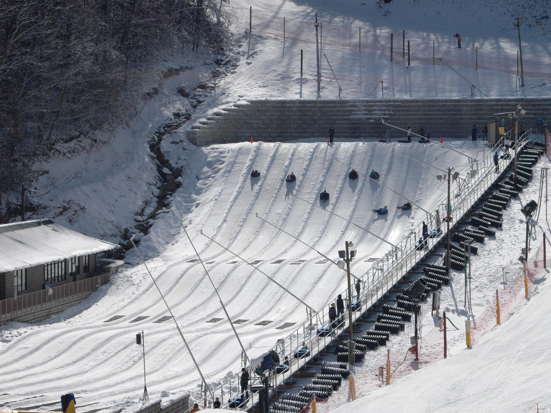 travelers-can-also-experience-the-ober-gatlinburg-ski-area-and-amusement-park-which-has-outdoor-activities-that-include-snow-tubing-skiing-and-a-freestyle-terrain-park
