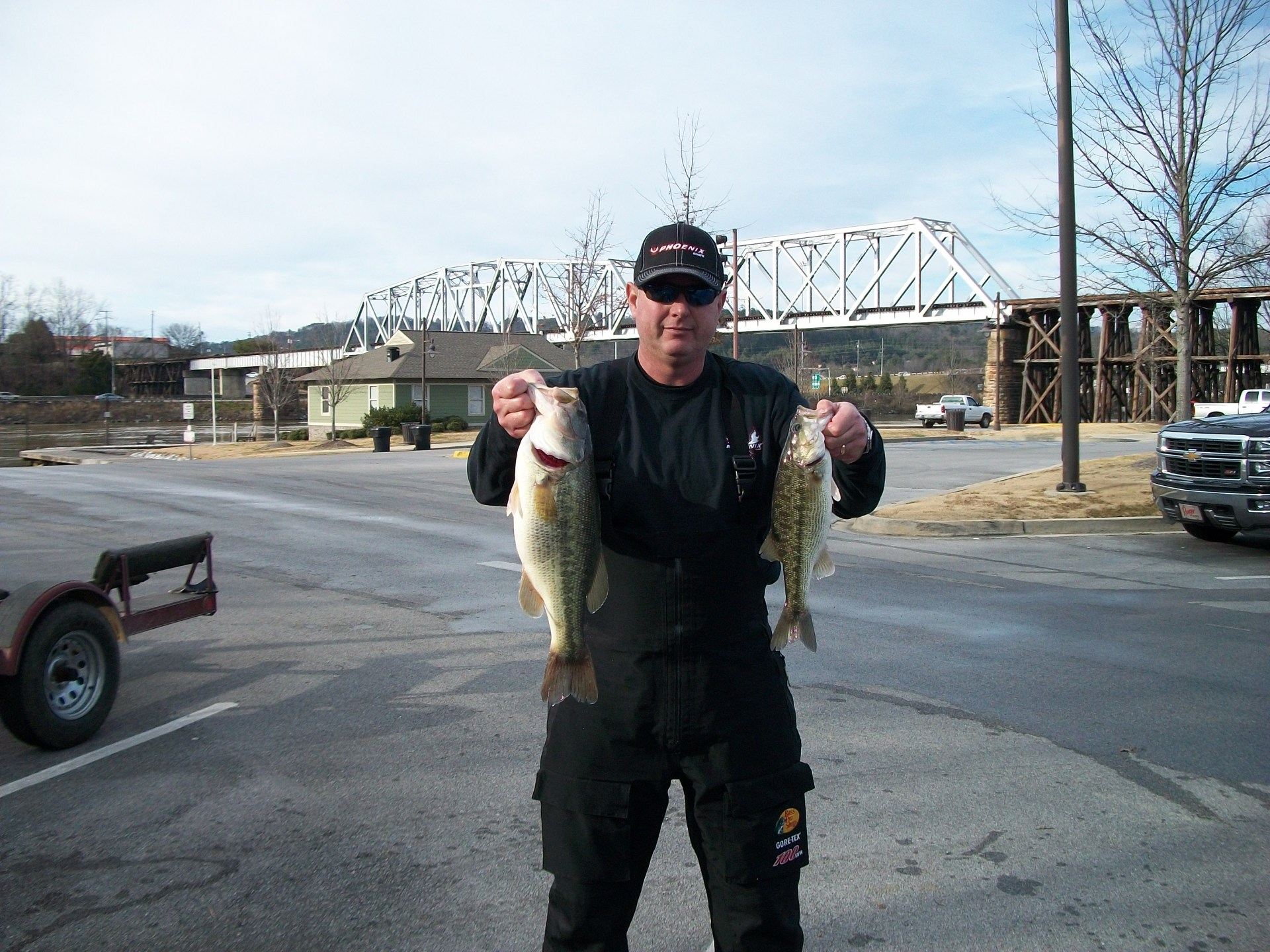 Neely Henry 2nd place: Boomer Arnold and guest (11.85 lbs.)