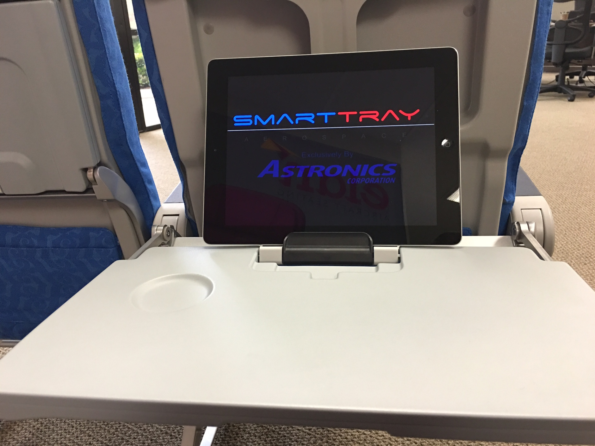 The Smart Tray and Elan
