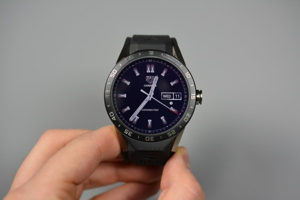 Tag Huerer Smart Watch | Connected Overview