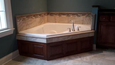 Tub Surrounds and Decks