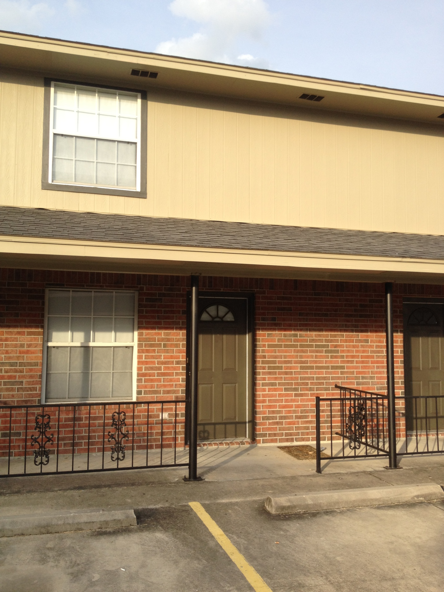2/1 TOWNHOME $1050 mth/$500+deposit