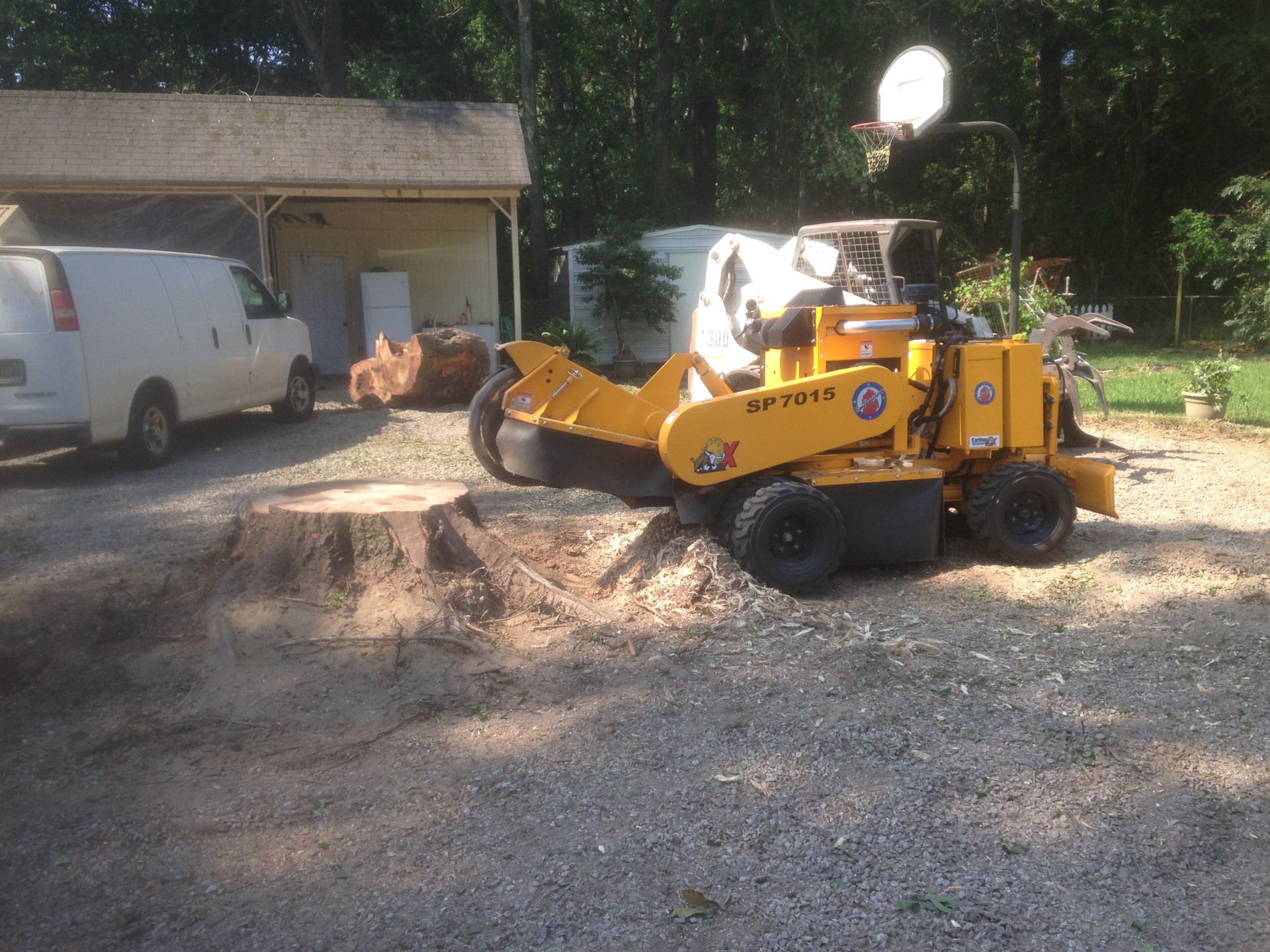 Grinding a Big Stump in Hope Hull