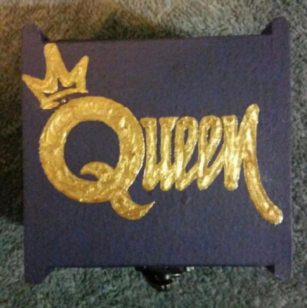 Queen Jewelry Box