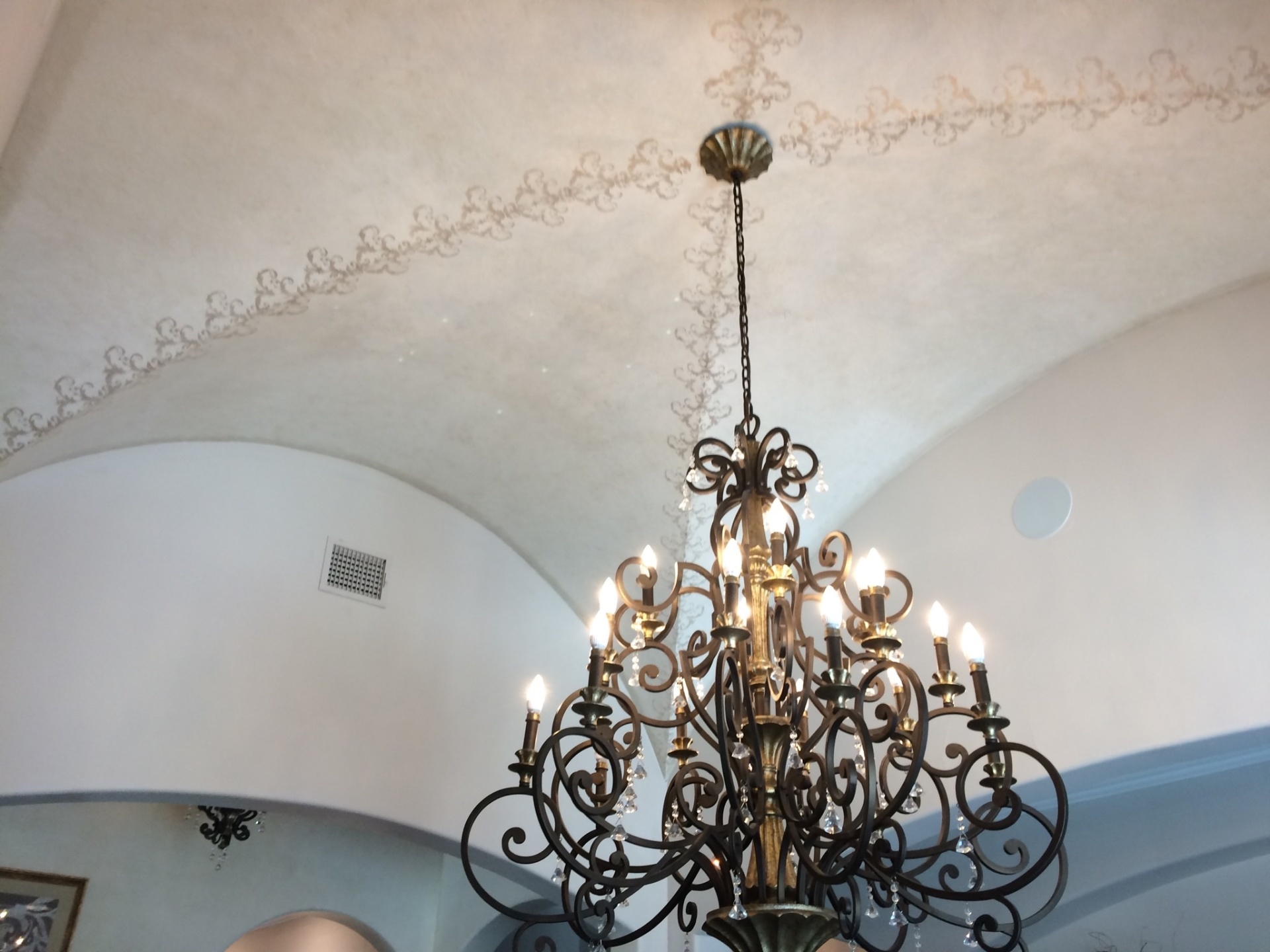 Beautiful Dining Room Ceiling