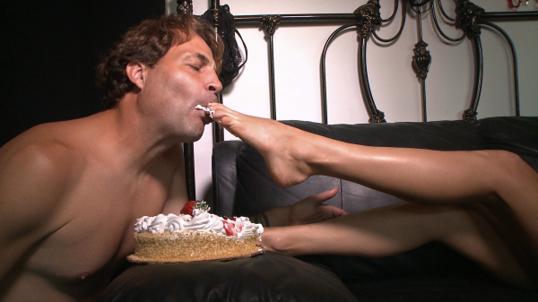 Holiday Presley feeds Eric John cake with her feet