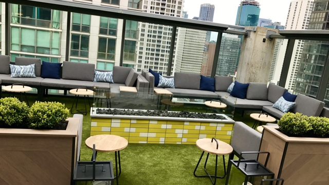Summer Isn T Here Yet But Things Are Already Heating Up Atop The Dana Hotel And Spa In River North Fifty 50 Restaurant Group S New Apogee Replaced