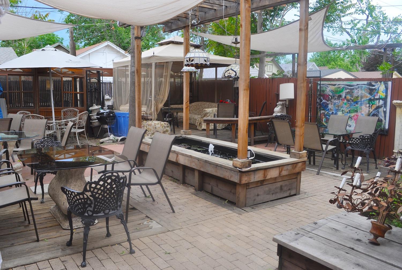 Platt Park: Black Crown Lounge