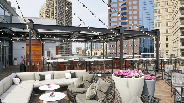 Rounding Out The Trifecta Of Restaurants In Conrad Chicago Hotel Noyane Is A Seasonal Exclusive On Roof Magnificent Mile Property