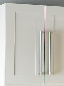 Close up of Shaker Warsaw kitchen doors in Pure White