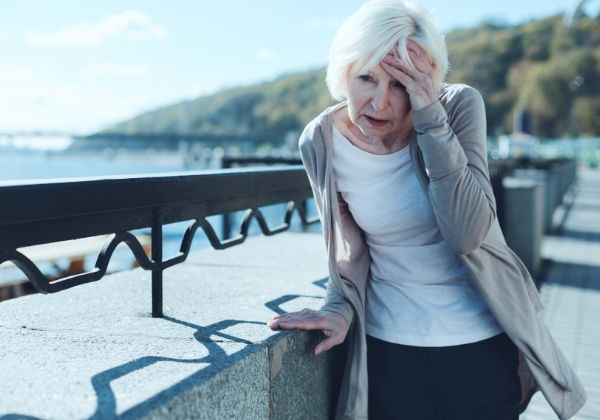 Dizziness: Causes, Natural Remedies, and When to See Your Doctor