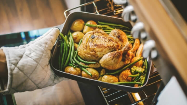 Roasted chicken with potatoes and green beans