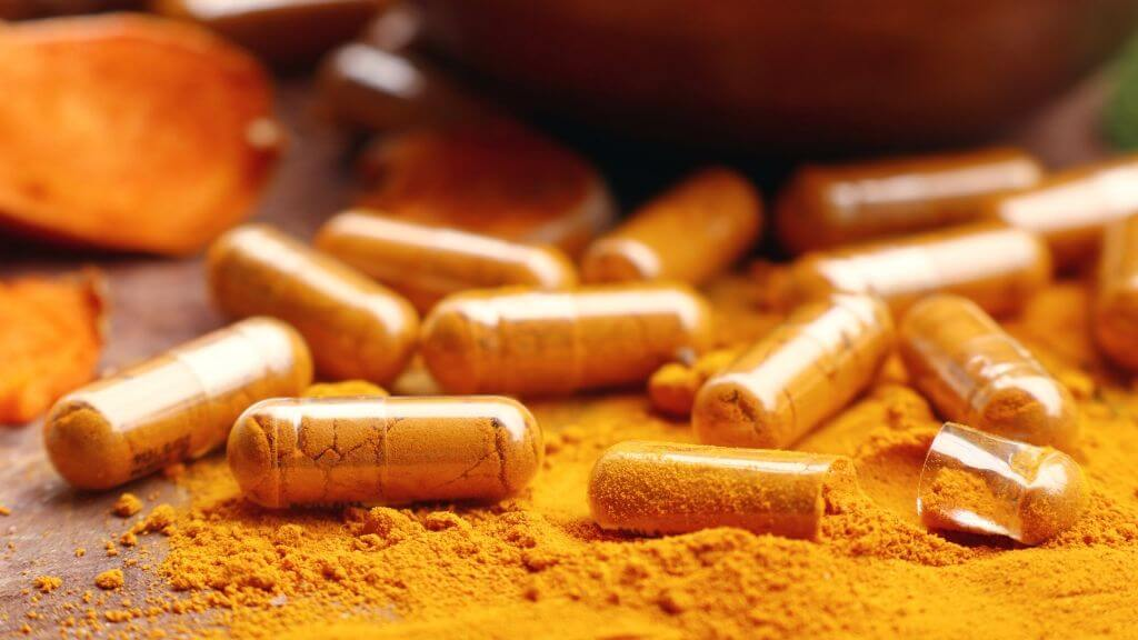 The Health Benefits and Side Effects of Turmeric Everyone