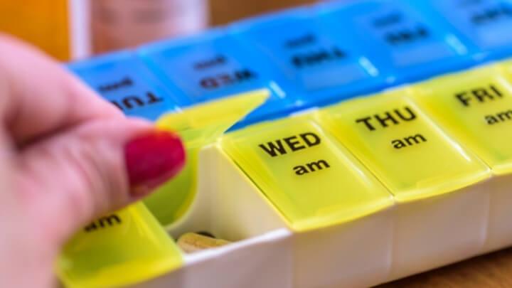 Weekly pill organizer