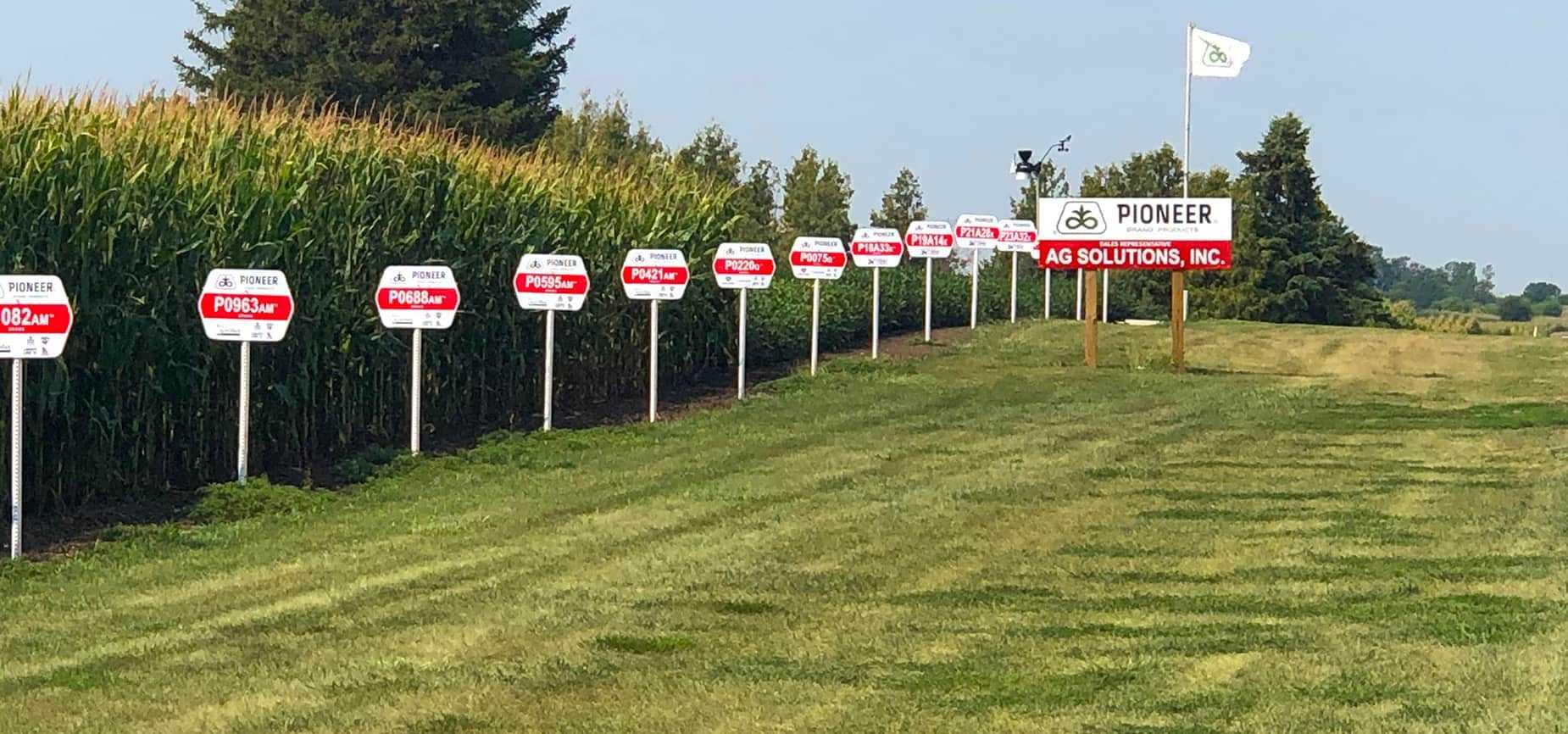 Field Pioneer Signs f3 H