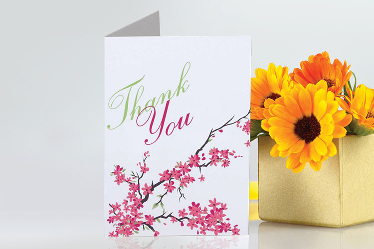 https://storage.googleapis.com/4over4-shop/assets/products/10/custom-greeting-card-printing-1.jpg