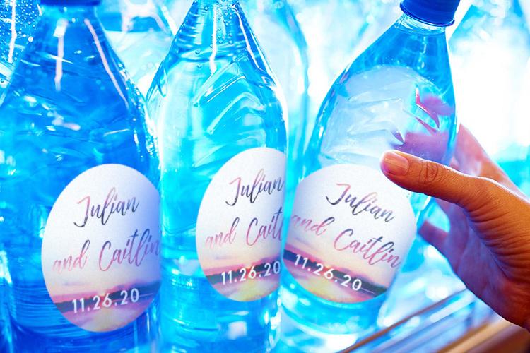https://storage.googleapis.com/4over4-shop/assets/products/203/printing-standard-water-bottle-labels-2.jpg