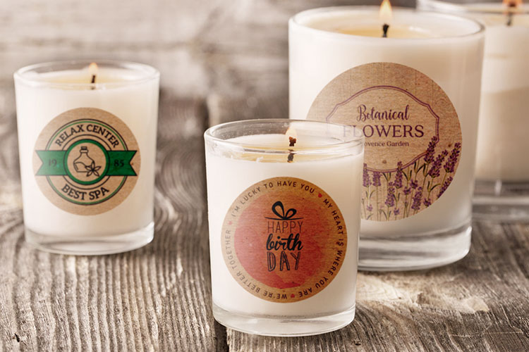 https://storage.googleapis.com/4over4-shop/assets/products/260/printing-roll-candle-labels.jpg
