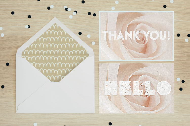 https://storage.googleapis.com/4over4-shop/assets/products/319/Velvet-Invitations.jpg
