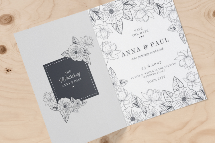 https://storage.googleapis.com/4over4-shop/assets/products/321/folded-wedding-invitaitions-2.jpg