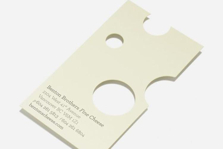 https://storage.googleapis.com/4over4-shop/assets/products/546/diecut-business-card-7.jpg