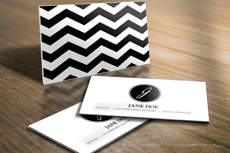 https://storage.googleapis.com/4over4-shop/assets/products/63/Rigid-Plastic-_business-card-5.jpg