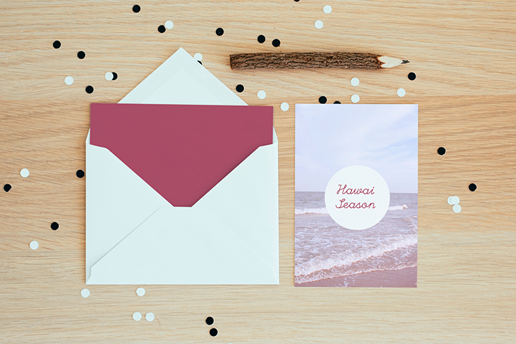 https://storage.googleapis.com/4over4-shop/assets/products/88/silk-postcard-1.jpg