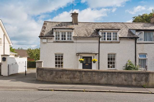 27 Monaloe Cottages, Old Bray Road, Cabinteely, Dublin 18