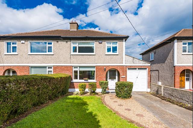 33 Kilmacud Park, Stillorgan, Co. Dublin