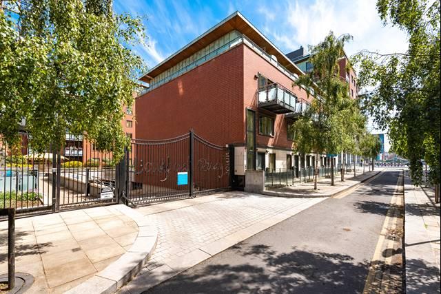 105 Longboat Quay South Apartments, Grand Canal Dock, Dublin 2