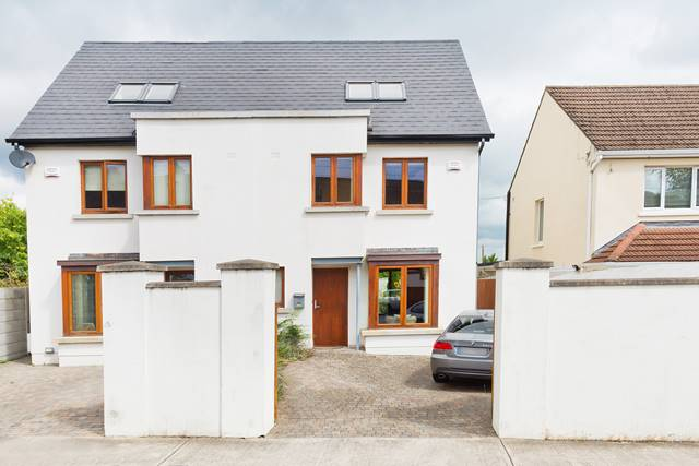 2 Margarets Mews, Newtown Park, Blackrock, Co. Dublin