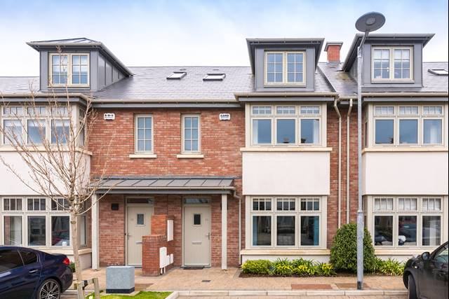 14 The Place, Hazelbrook Square, Churchtown, Dublin 14