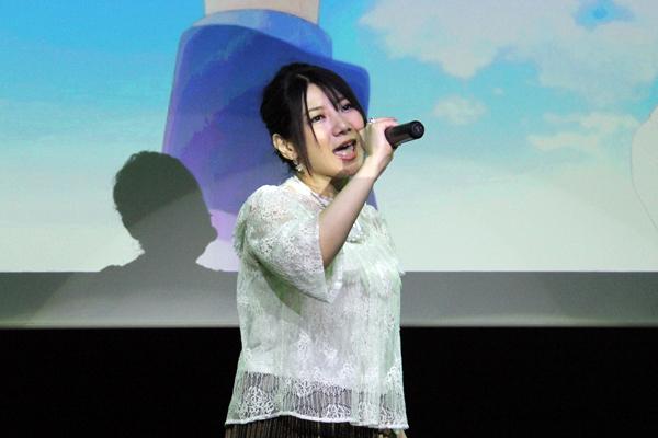 発表会では人気声優・歌手の原田ひとみさんがメインテーマ「MAGICAL JOURNEY」を熱唱