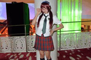 マリの学生服のコスプレ