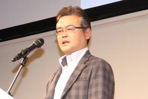 主催者挨拶に立ったのは上席執行役員 クリエイティブオフィサー 研究開発統括本部 PC研究開発本部長の田中氏