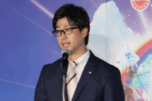 機種解説を担当した商品開発部部長の岡村氏