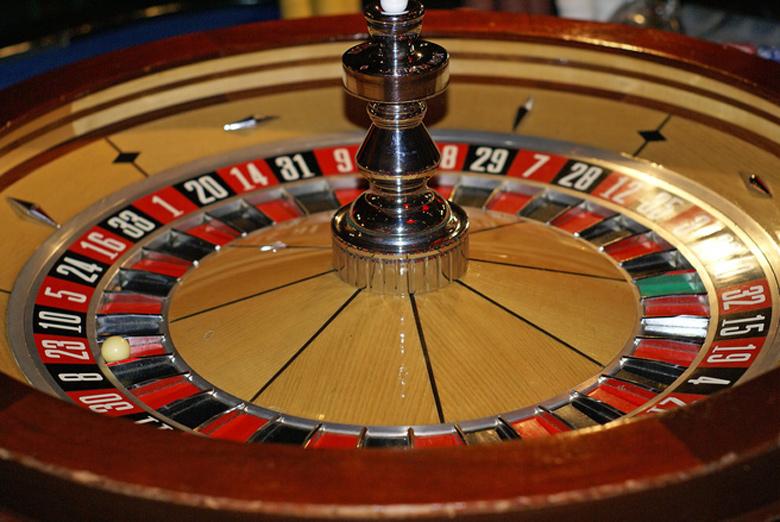 よくカジノのルーレットに比されるが、パチンコ・パチスロにおける抽選はもっと複雑