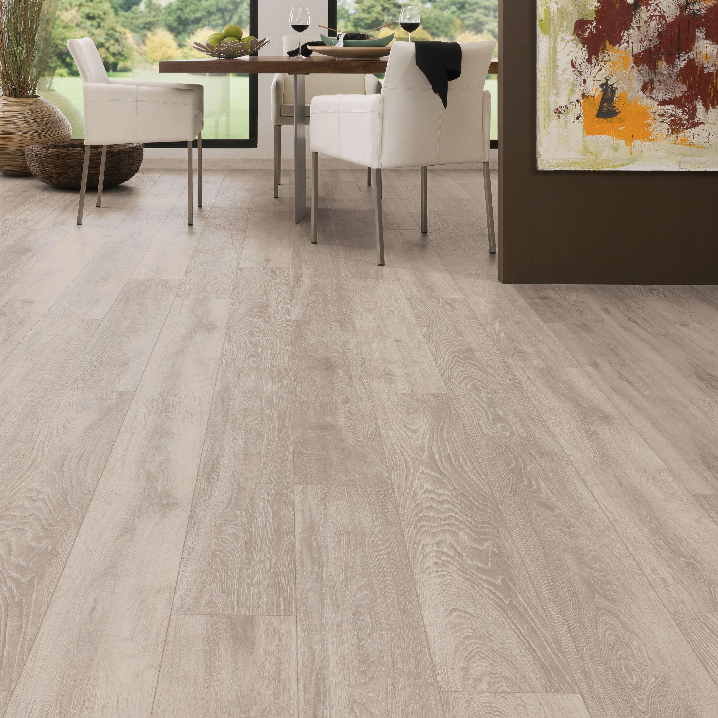 Amadeo Boulder Oak Effect Authentic Embossed Finish Laminate Flooring 2 22 M² Pack
