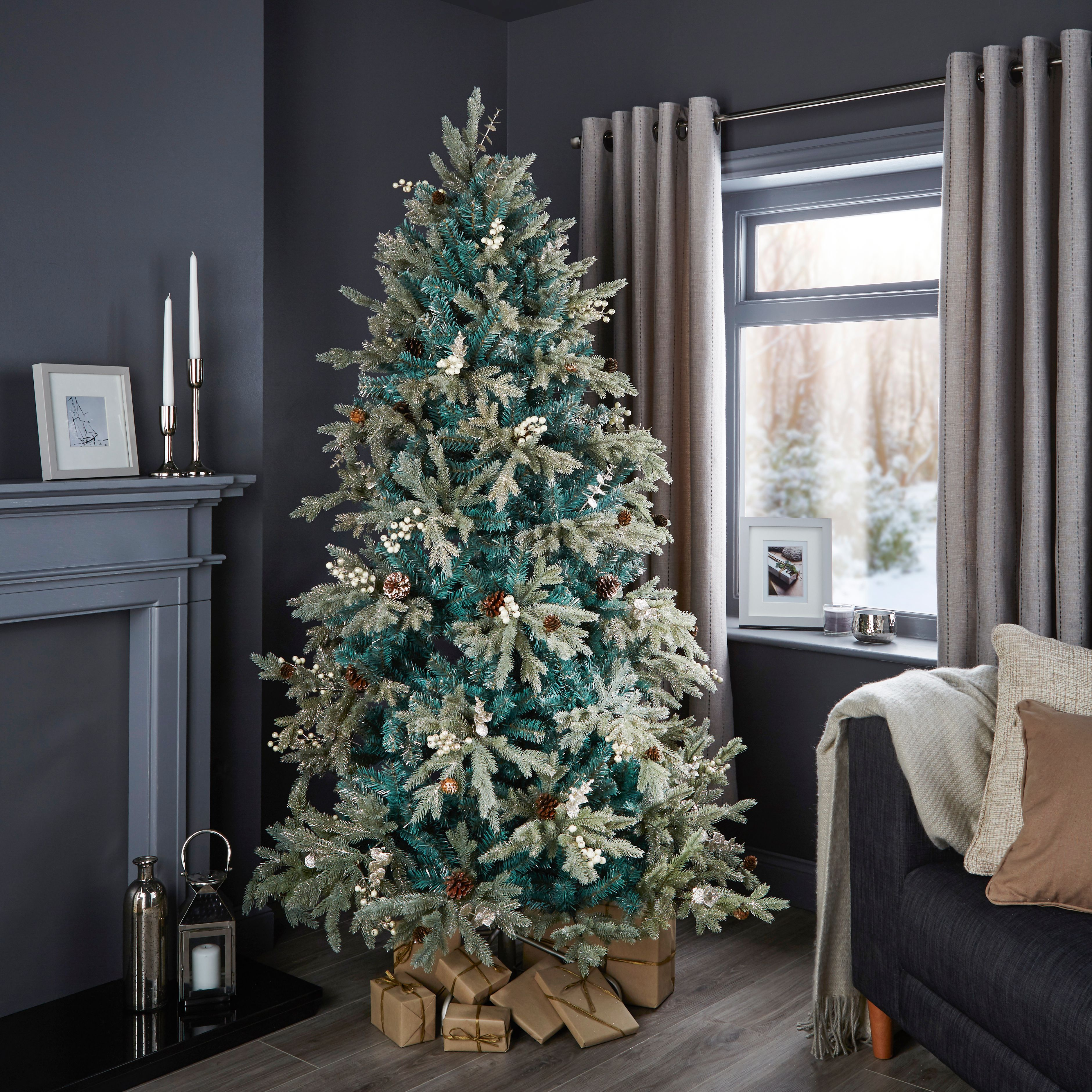 6ft 6in winterfold pre decorated christmas tree