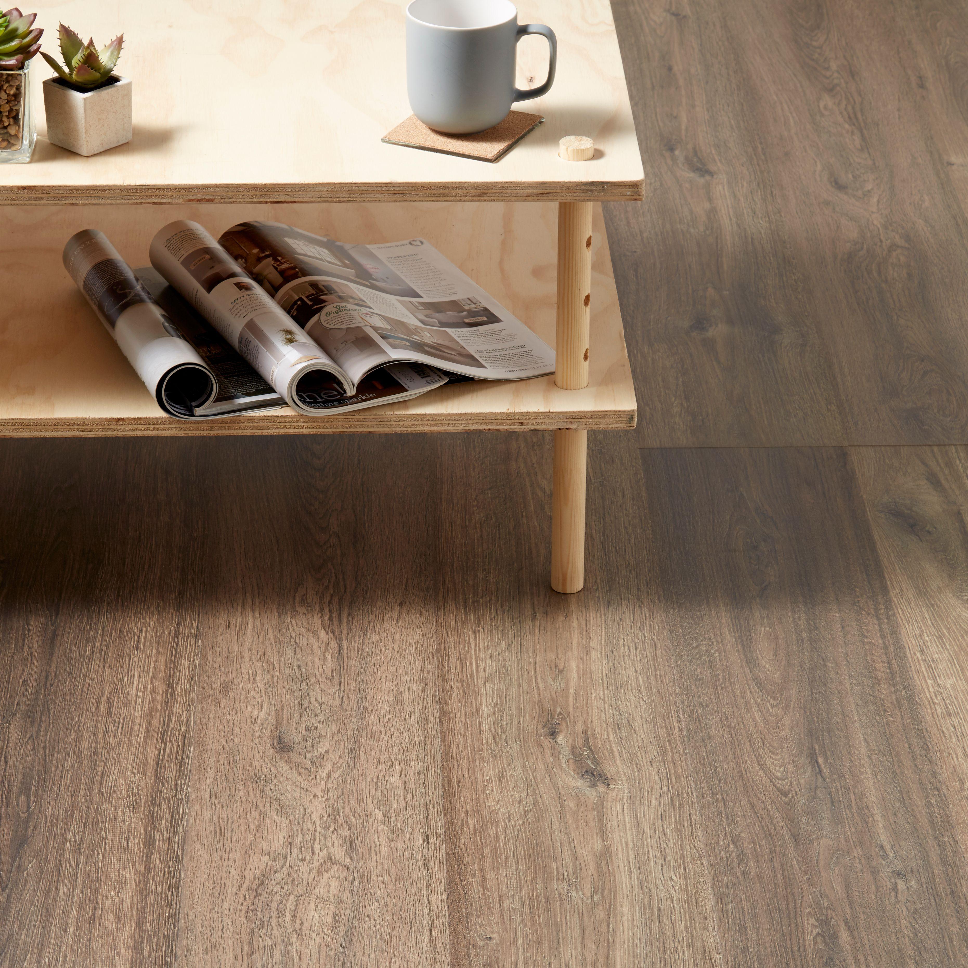 Lismore Dark Oak Effect Laminate Flooring 1 996 M² Pack