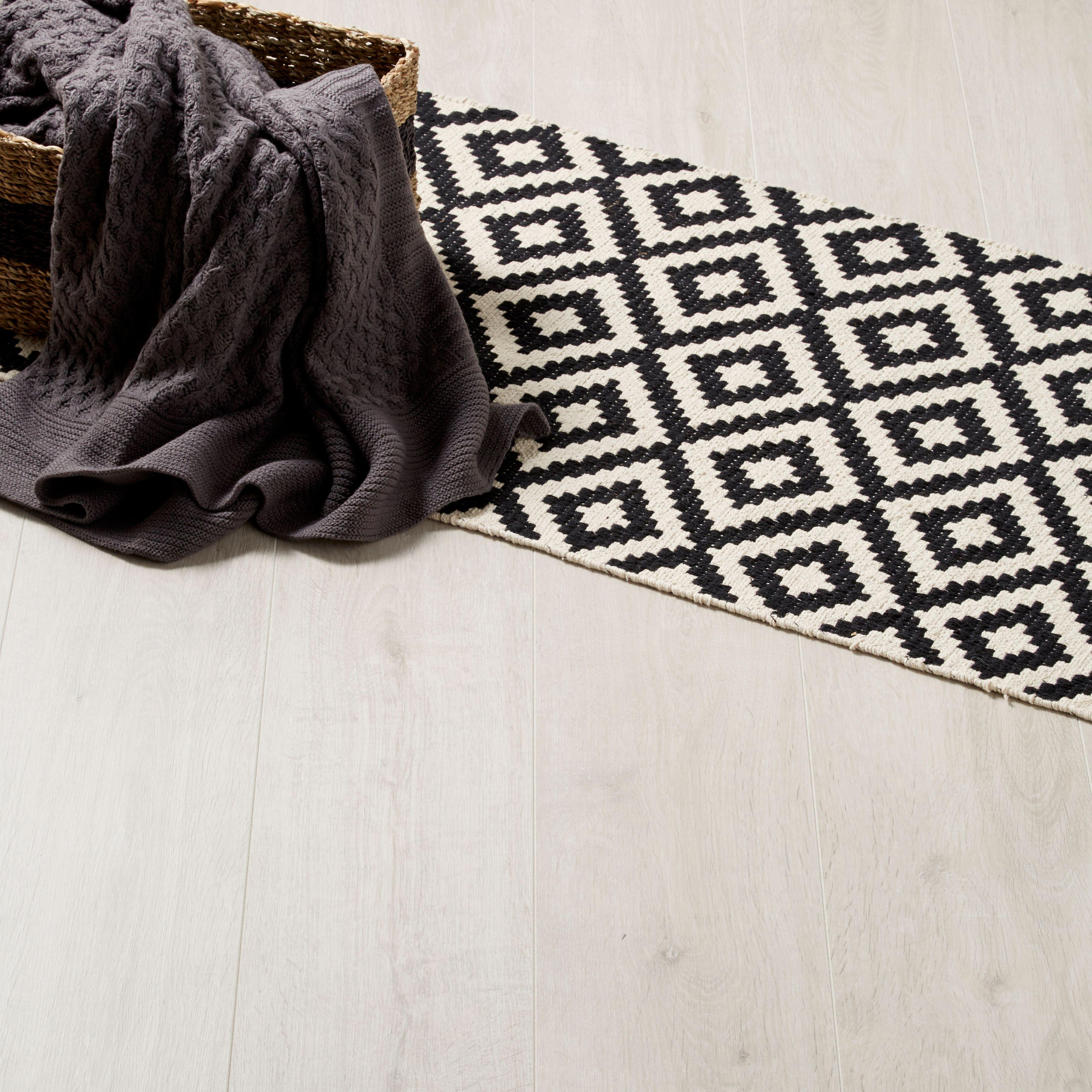 Quick Step Andante Natural Oak Effect Laminate Flooring Choice Image