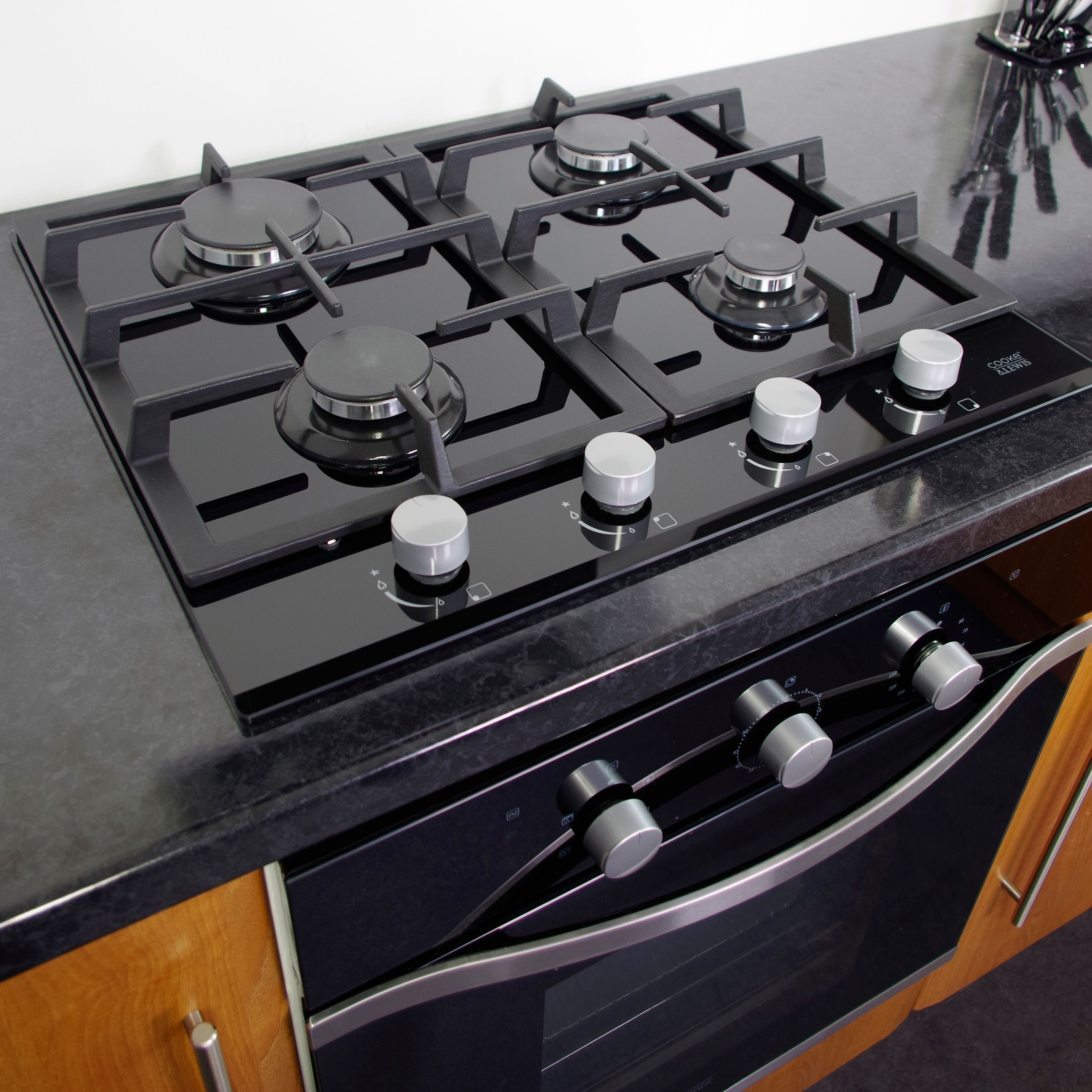 Cooke Lewis Clgh2bk C 4 Burner Black Cast Iron Gas Gas On Glass Hob