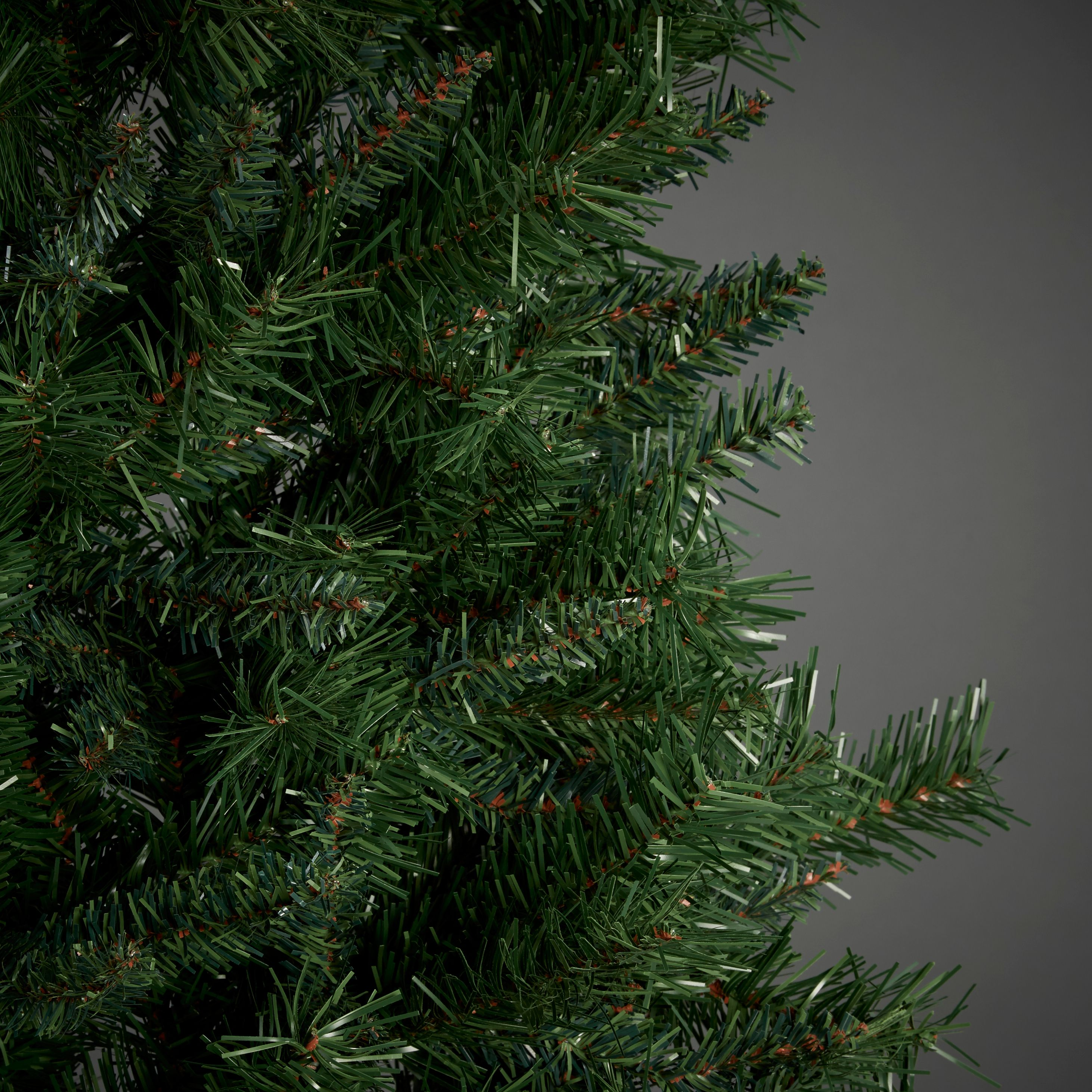 7ft 6in Corner Or Wall Christmas Tree